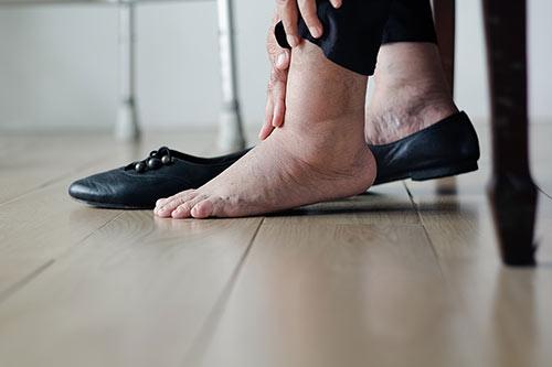 Man auf kann füße stehen wie Wie kann